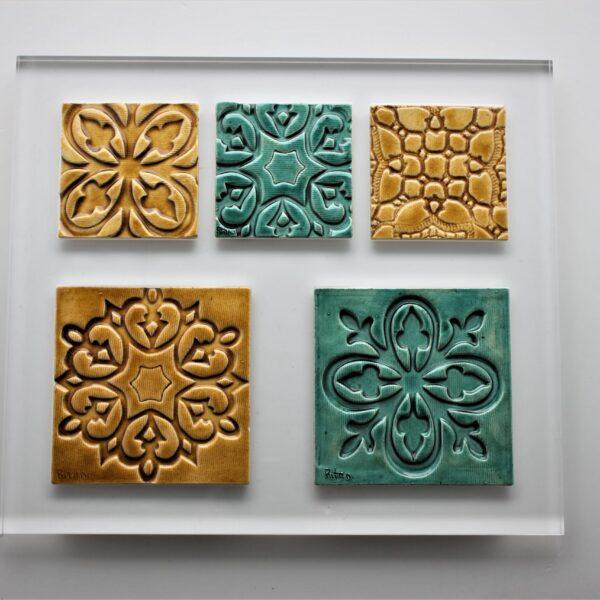 placa de acrílico cristal com azulejos embutidos_3